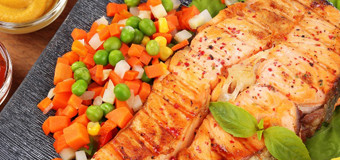 chargrilled-salmon-with-garlic-sauce